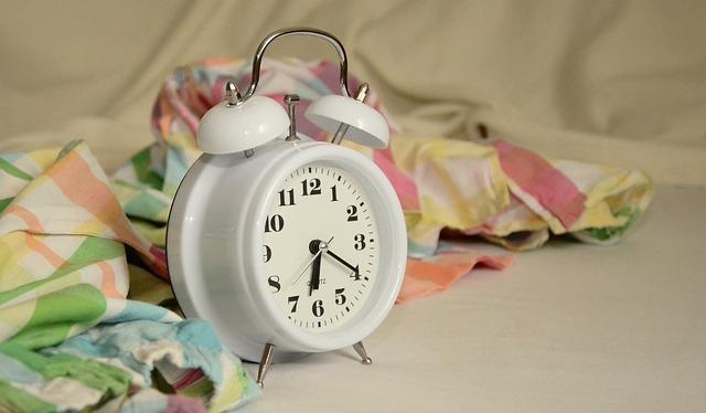 alarm-clock-1191561_640
