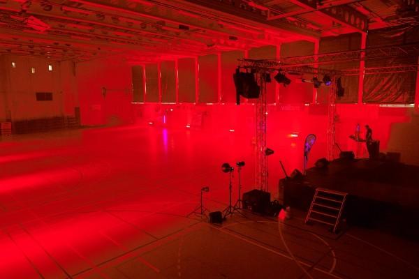 2016-11-26-Kraftakt-6-Neon-Lights-andremaurer-ch-0069