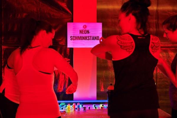 2016-11-26-Kraftakt-6-Neon-Lights-andremaurer-ch-0073