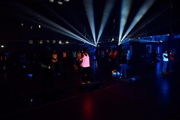 2016-11-26-Kraftakt-6-Neon-Lights-andremaurer-ch-0111