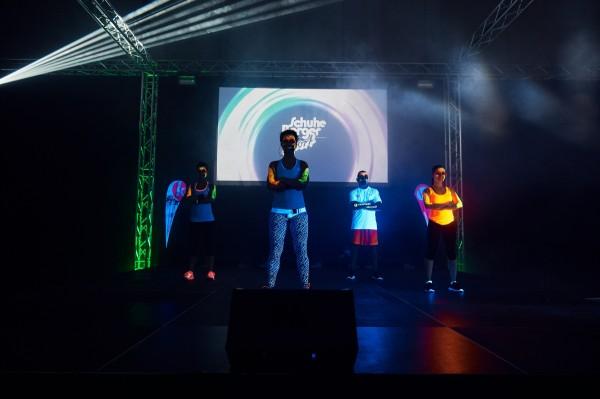 2016-11-26-Kraftakt-6-Neon-Lights-andremaurer-ch-0113