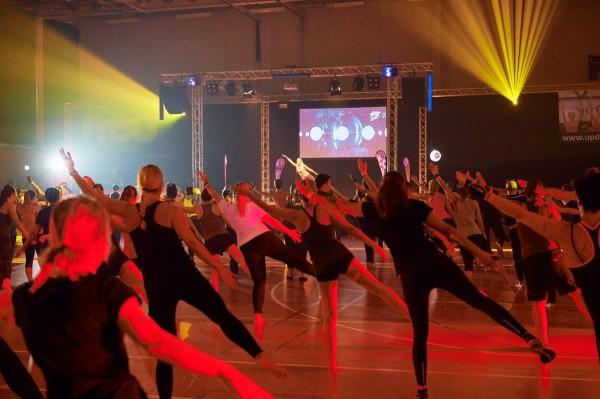 2016-11-26-Kraftakt-6-Neon-Lights-andremaurer-ch-1462