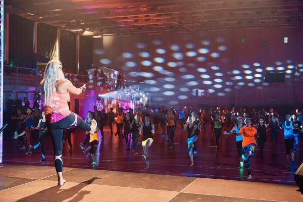 2016-11-26-Kraftakt-6-Neon-Lights-andremaurer-ch-1550
