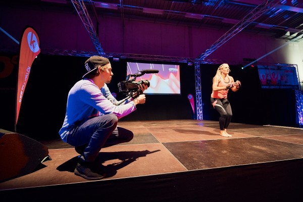 2016-11-26-Kraftakt-6-Neon-Lights-andremaurer-ch-1643