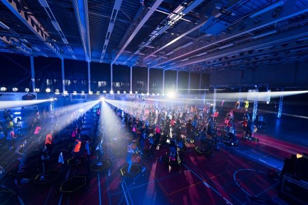 2016-11-26-Kraftakt-6-Neon-Lights-andremaurer-ch-2158