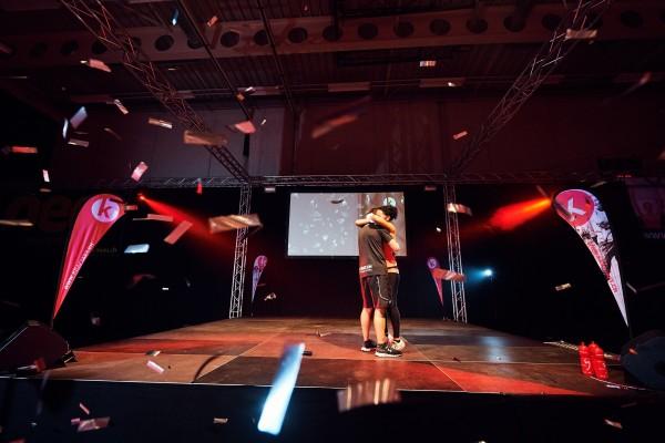 2016-11-26-Kraftakt-6-Neon-Lights-andremaurer-ch-2537