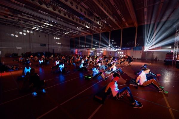 2016-11-26-Kraftakt-6-Neon-Lights-andremaurer-ch-2821