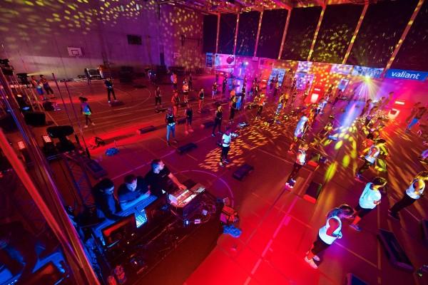 2016-11-26-Kraftakt-6-Neon-Lights-andremaurer-ch-2885