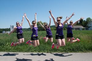 Kraftakt Kids Leiterteam springend